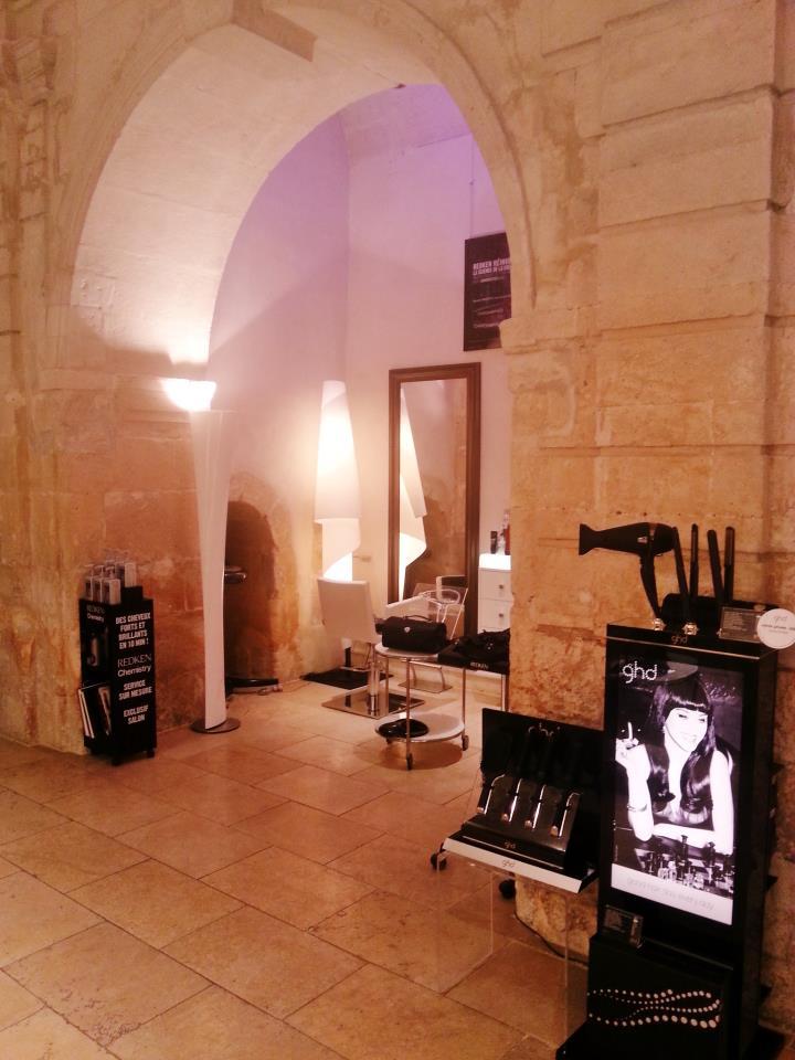 Salon de coiffure saint r my de provence au 03 for Circuit de salon de provence