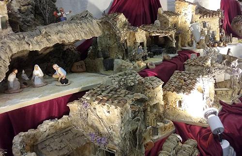 Pays d'Arles : 33ème Salon des Santonniers et Marché de Noël de Fontvieille