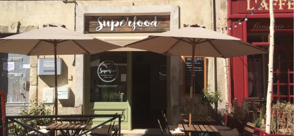 Superfood café restaurant arles the good adress