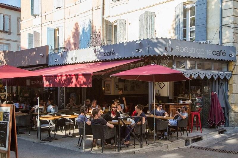 bar brasserie forum arles apostrophe café