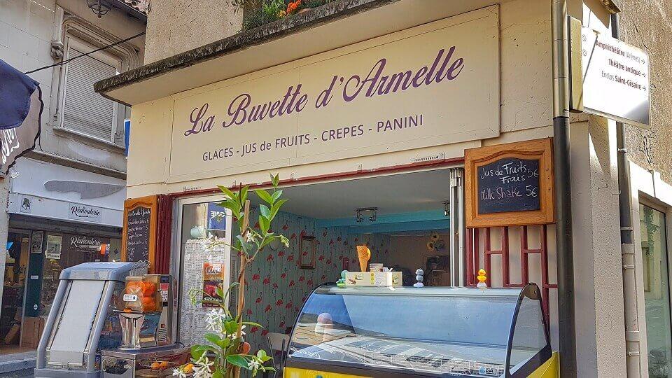 La buvette d'Armelle à Arles