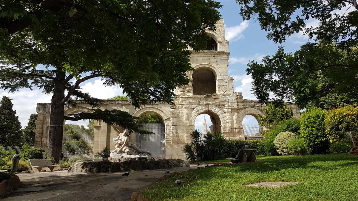 théâtre antique arles jardins