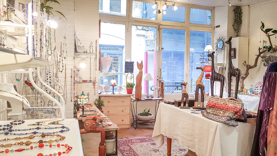 boutique pygmalion artisan createur bijoux et emaux à Arles