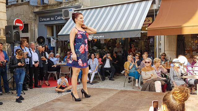 Défilé de mode Journée commerce et artisanat 2018 à Tarascon