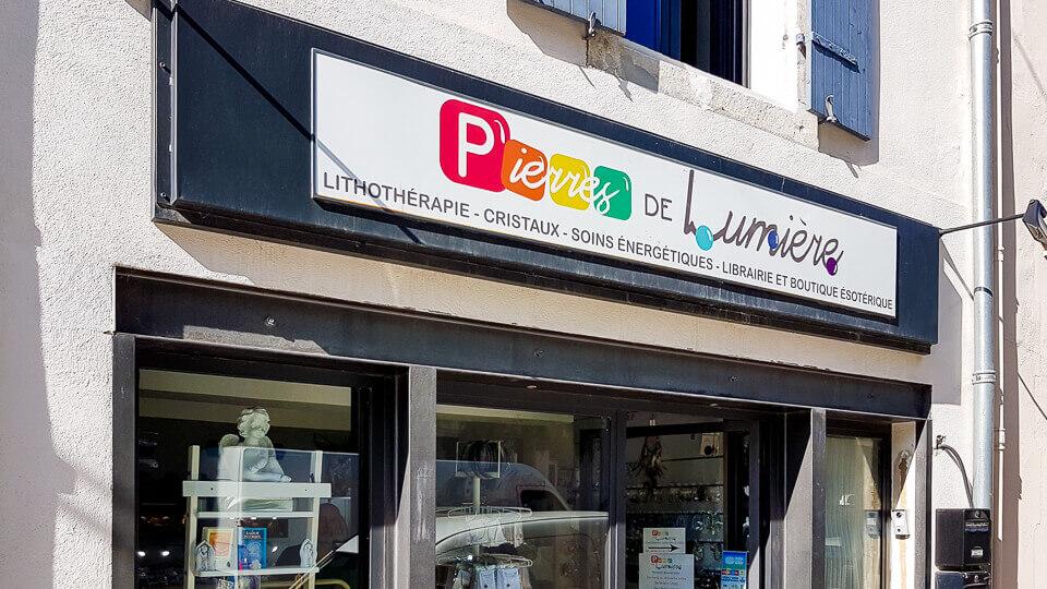 Pierres de Lumiere boutique lithothérapie et libraire esoterique