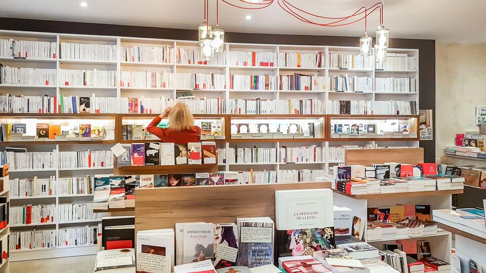 Librairie indépendante Les Grandes Largeurs à Arles