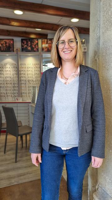 Céline, opticienne chez Optique Rolland à Arles