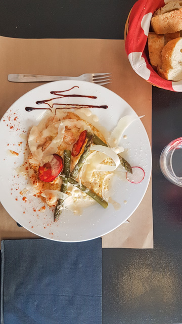 restaurant tarascon La Caseta rue des Halles