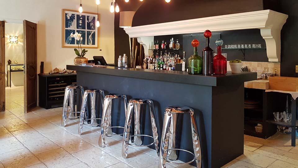 Hameau des Baux Paradou Alpilles Hotel restaurant bar à cocktails
