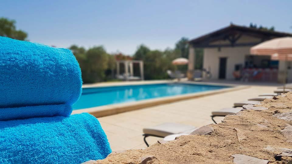 Hameau des Baux Paradou Alpilles Hotel restaurant Bistrot gourmand piscine