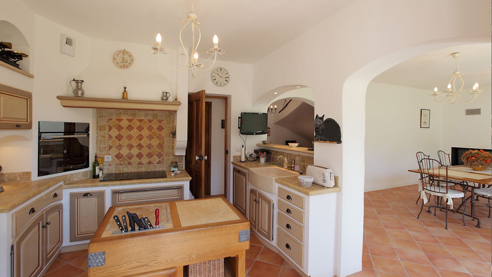 contructeur maison dans les Alpilles Bastides et Demeures Provencales
