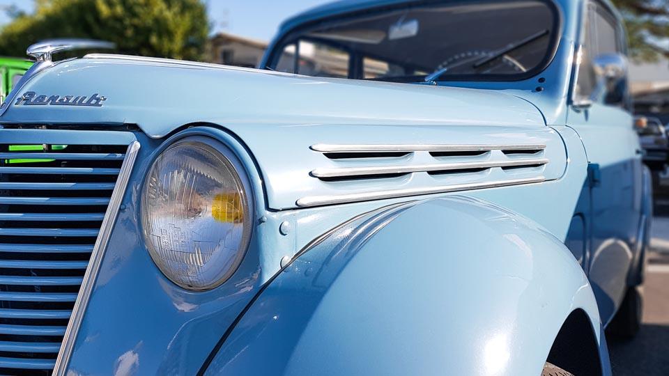 spécialistes voitures anciennes, Renault Juvaquatre,2 cv, Mehari sur les Alpilles et la région d'Arles - Garage Merklen à Saint Rémy de Provence