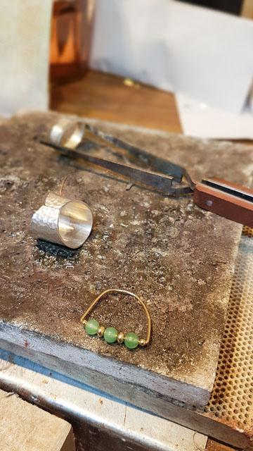 Créatrice de bijoux à Arles - Sya Bijoux rue de l'Hôtel de Ville