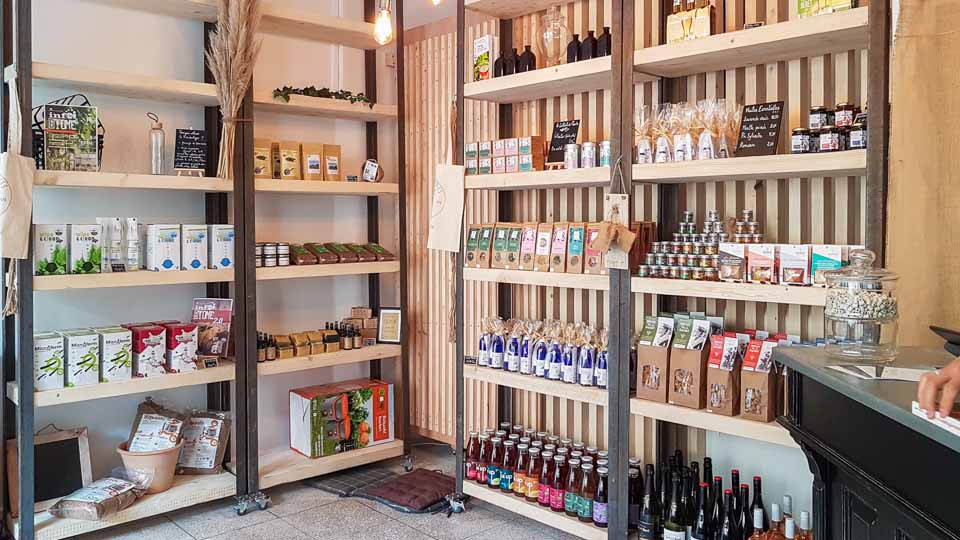 Herboristerie et épicerie du bien-être à Arles - boutique Label Plantes