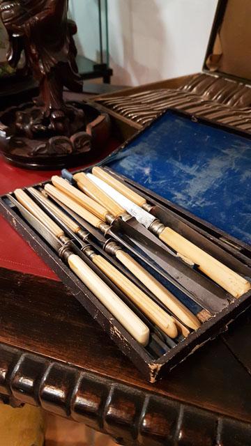 Antiquités brocante à Tarascon - Arts et Déco